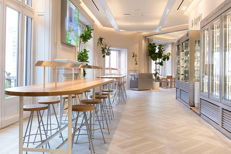 retail finaliza la construccin del restaurante flax u kale porter de la nueva flagship de hum en barcelona