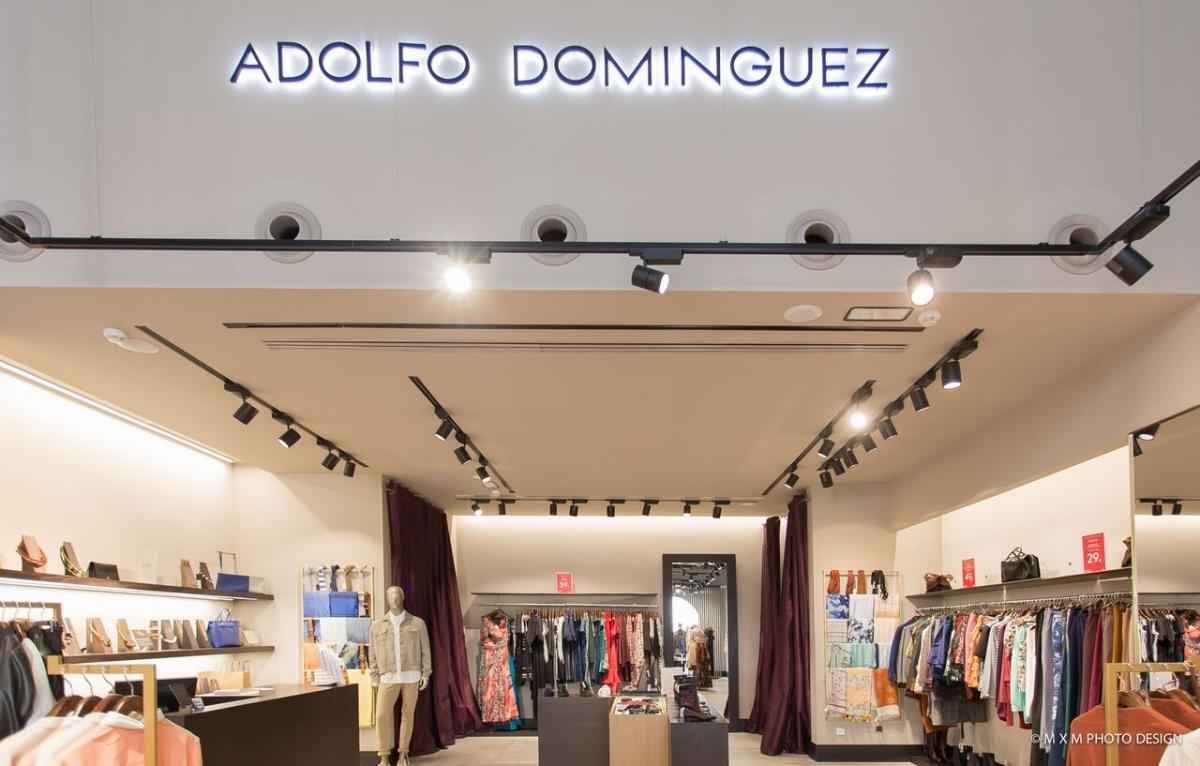 TIENDA ADOLFO DOMINGUEZ EN LA ROCA VILLAGE